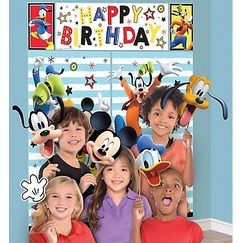 Mickey Mouse Wall Scene Setter Kit w/ Photo Props